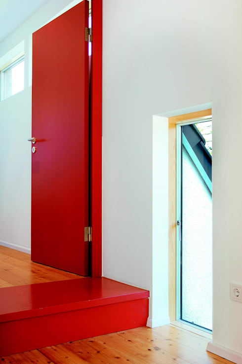 Couloir et hall d'entrée de style  par Elkin + Brombach Architekten