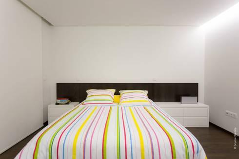 casa 116: Quartos modernos por bo | bruno oliveira, arquitectura