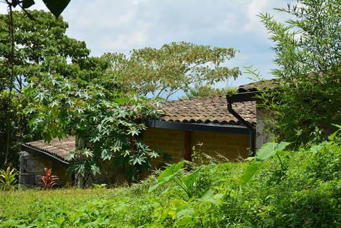 Foto 4:  de estilo  por Komoni Arquitectos