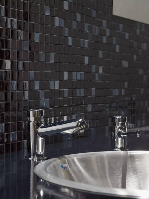 Projekty,  Łazienka zaprojektowane przez Elements Mosaic