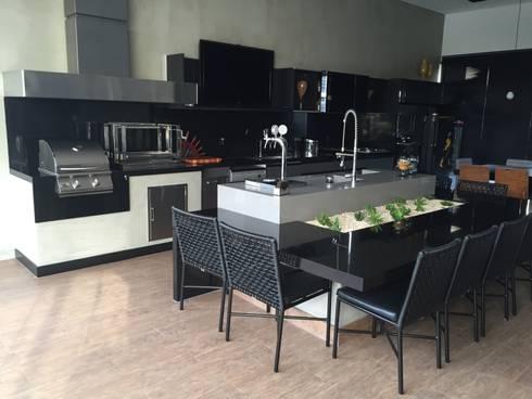 RESIDÊNCIA G | R: Cozinhas modernas por ALESSANDRA ORSI - Arquitetura + Interiores