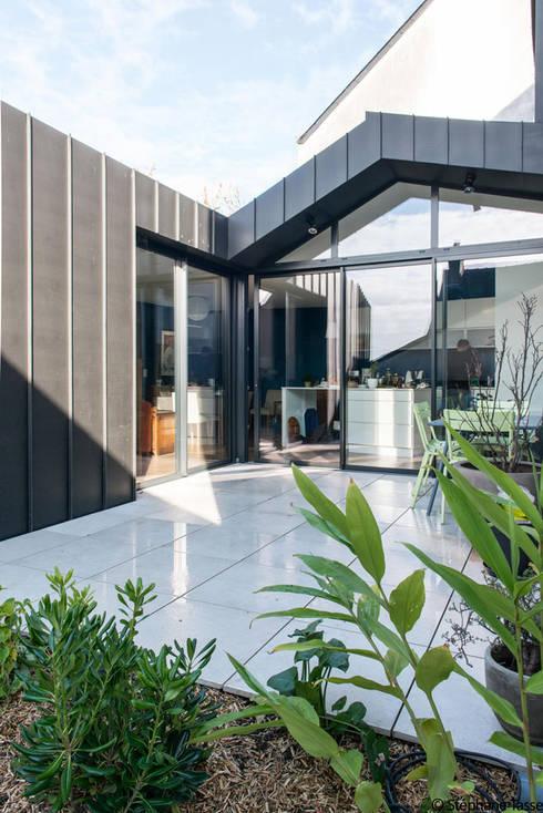Terrazas de estilo  de LAUS architectes