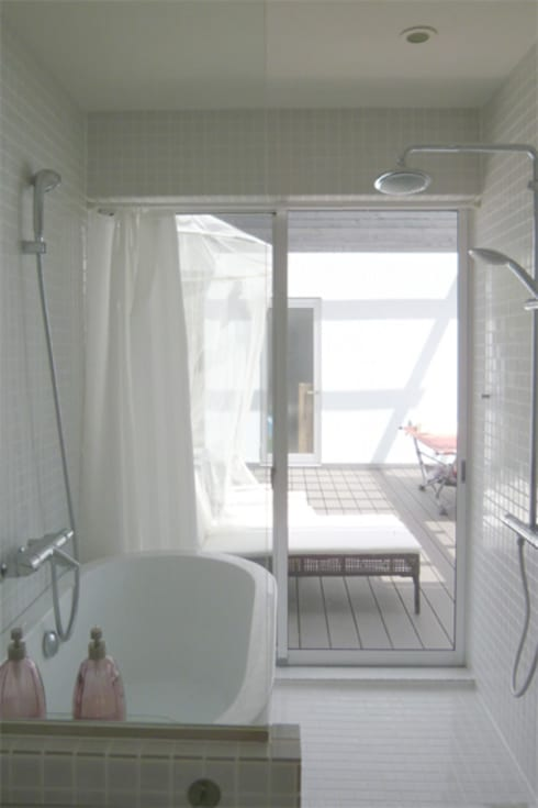 伊豆大島の家: 竹田廉太郎建築設計室が手掛けた浴室です。