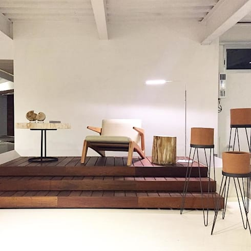 Salas de estilo moderno por LÜTTGEN GmbH
