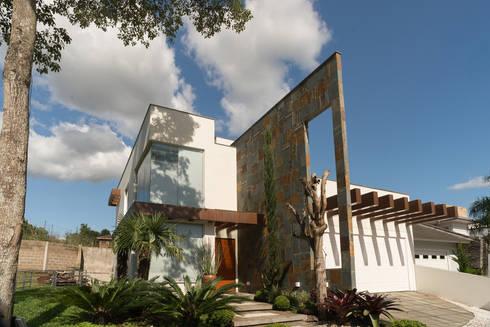 casa contemporânea: Casas minimalistas por ND HAUS