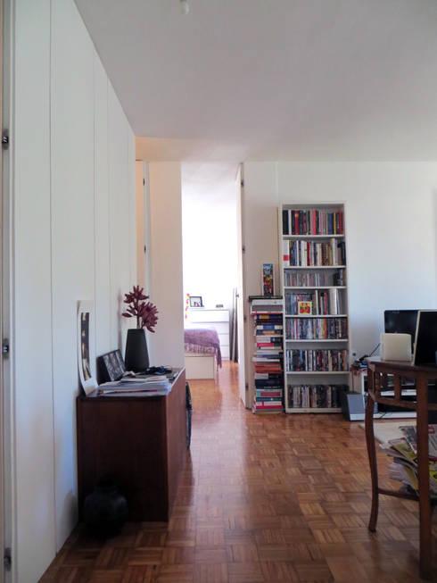 Apartamento Miguel Nabais: Quartos modernos por Atelier Alvalade