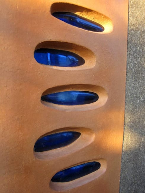 REFUGIO DE LAS MARIPOSAS: Salas de estilo rústico por MORO TALLER DE ARQUITECTURA