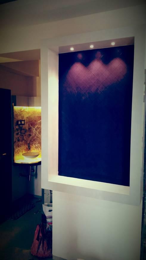crockery unit: modern Dining room by Alaya D'decor