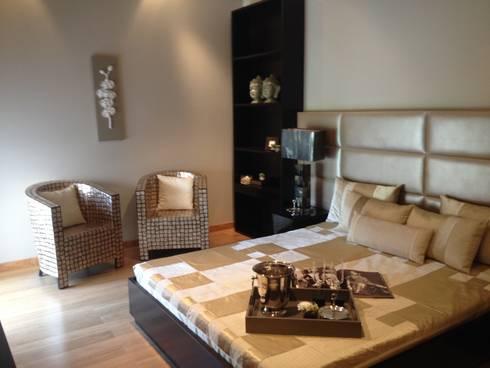 Apartment: modern Bedroom by rajivgoyaldesigns