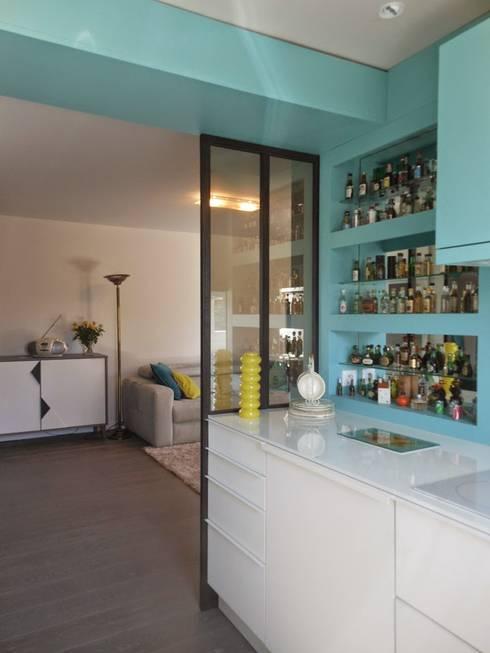 RENO Appartement L: Cuisine de style  par EI. SOPHIE BANNWART