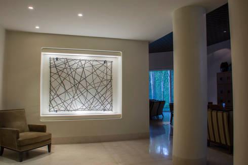 Foyer : Pasillos y recibidores de estilo  por CH Proyectos