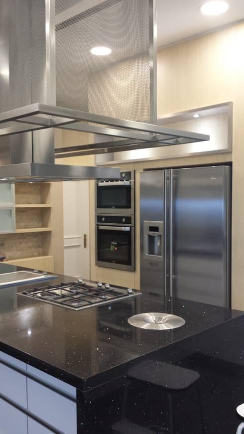 Nhà bếp by CANAL