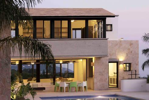Casa Ixtapan de la Sal- Boué Arquitectos : Casas de estilo rústico por Boué Arquitectos