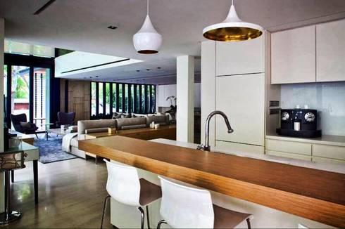 Espacea: Cocinas de estilo moderno por ESPACEA