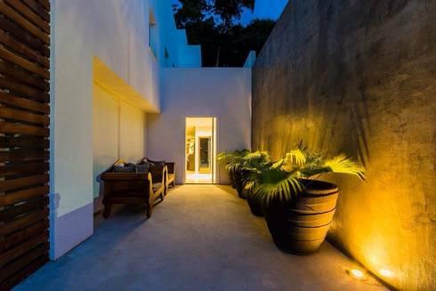 Ocean House 62: Casas modernas por Espezim Biazzetto Arquitetura