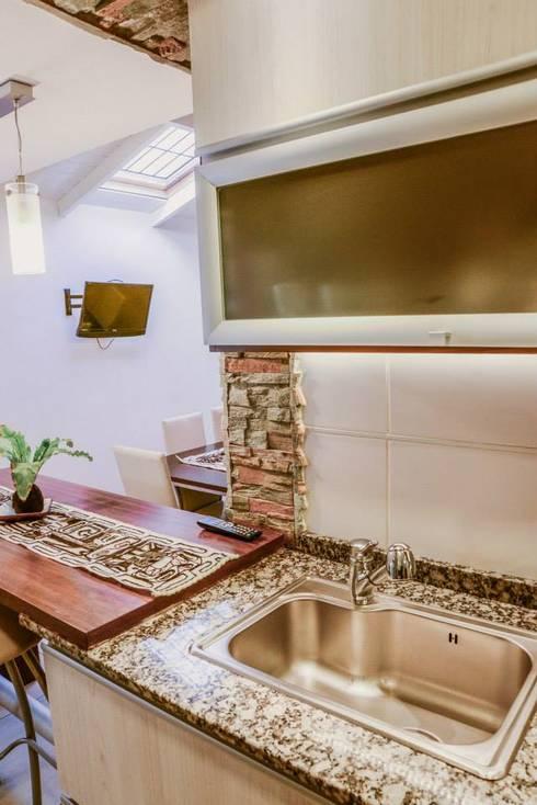 Remodelación Interior Vivienda: Cocinas de estilo  por D&C Interiores