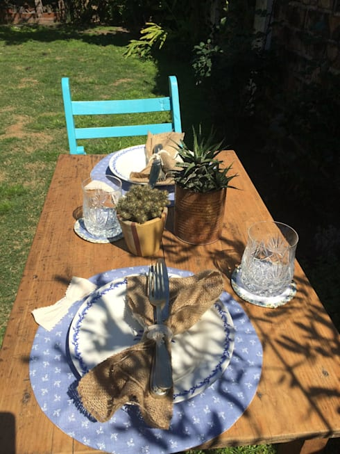 Ideas para armar la mesa: Comedores de estilo moderno por Handmade