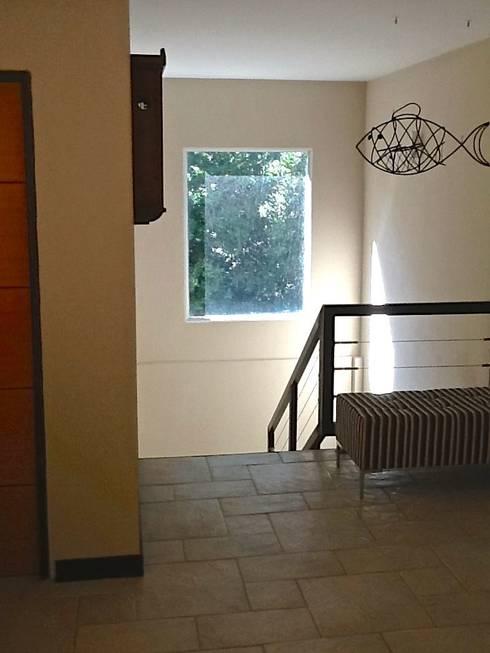 Casa Pinamar -Fragata 25 de Mayo: Livings de estilo  por Ardizzi arquitectos