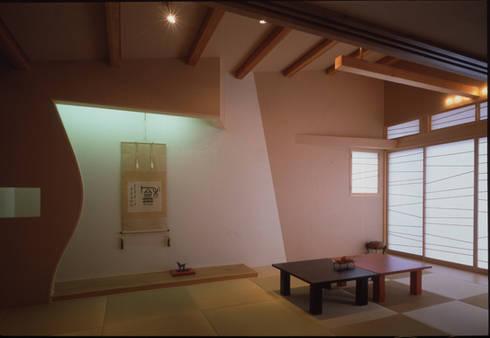 2階和室: Guen BERTHEAU-SUZUKI  Co.,Ltd.が手掛けた和室です。