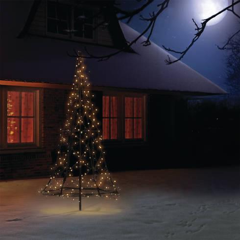 Jardin de style  par SOLAR Lighting - Powered by Nature!
