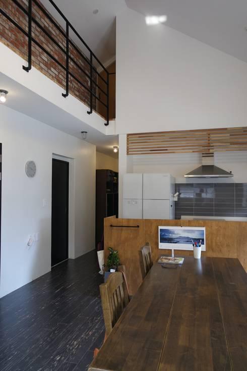 廚房 by 아키제주 건축사사무소