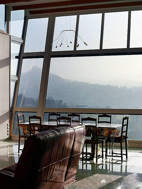 Maison individuelle: Fenêtres de style  par SARL DIDIER ALLIBERT