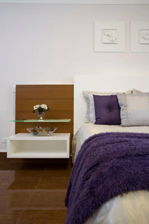 Recámaras de estilo  por Sandra Sanches Arq e Design de Interiores