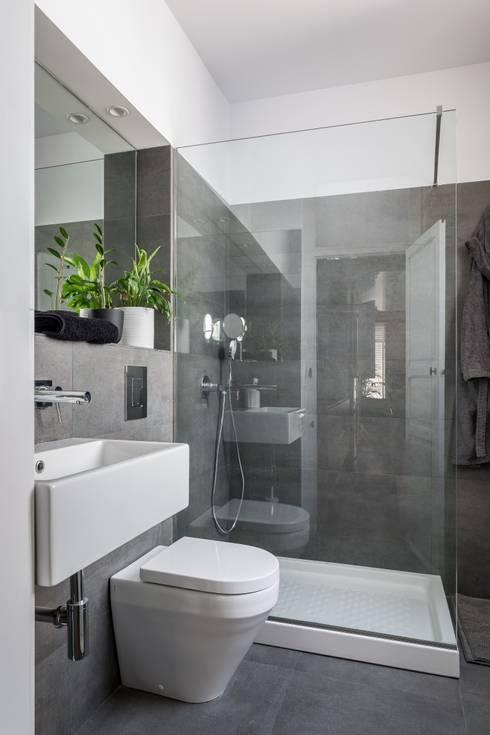 Badezimmer von ambau taller d´arquitectes