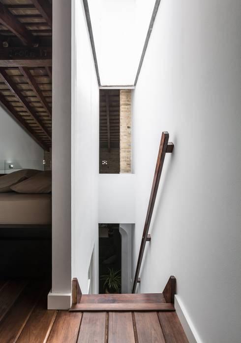Ingresso & Corridoio in stile  di ambau taller d´arquitectes