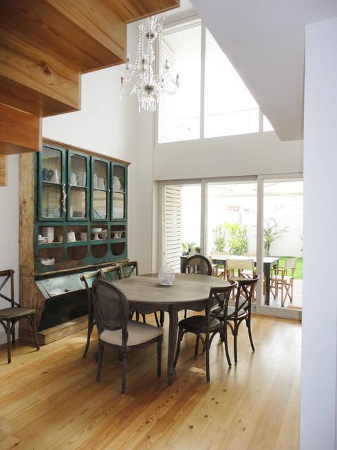 Salas de jantar  por GAAPE - ARQUITECTURA, PLANEAMENTO E ENGENHARIA, LDA