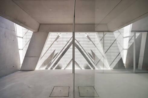 Vista Interior: Janelas   por guedes cruz arquitectos