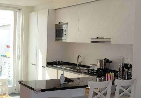 Cozinha: Cozinhas ecléticas por GAAPE - ARQUITECTURA, PLANEAMENTO E ENGENHARIA, LDA