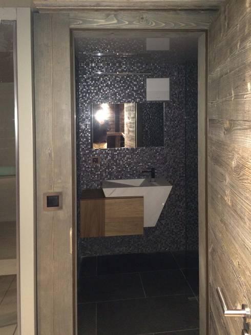 fitness en montagne 3: Salle de bain de style de style Rustique par alain vieux decoration