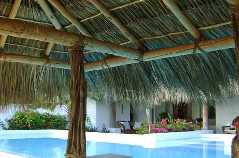 Casa Rincon del Mar- Boué Arquitectos : Casas de estilo moderno por Boué Arquitectos
