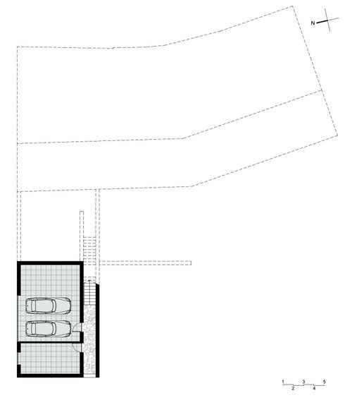 Planta do Piso -1: Garagens e arrecadações rústicas por LXL - Lisbon Lifestyle