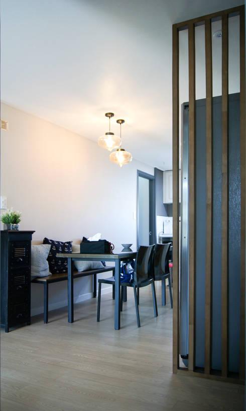 대전광역시 서구 둔산동 햇님마을 아파트 27PY: 위드디자인의  다이닝 룸