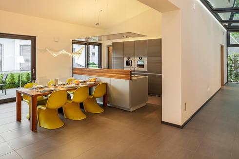 Luxhaus musterhaus stuttgart von lopez fotodesign homify - Esszimmer stuttgart ...