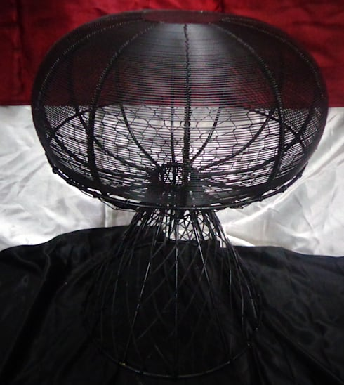 Dome Shaped Iron Wire Stool: modern Living room by Overseas Trading Corporation
