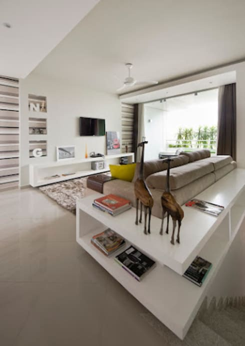 Living room by Magno Moreira Arquitetura