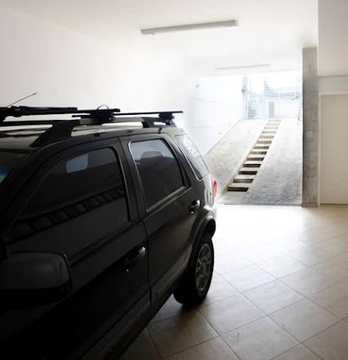 Garage/shed by Magno Moreira Arquitetura