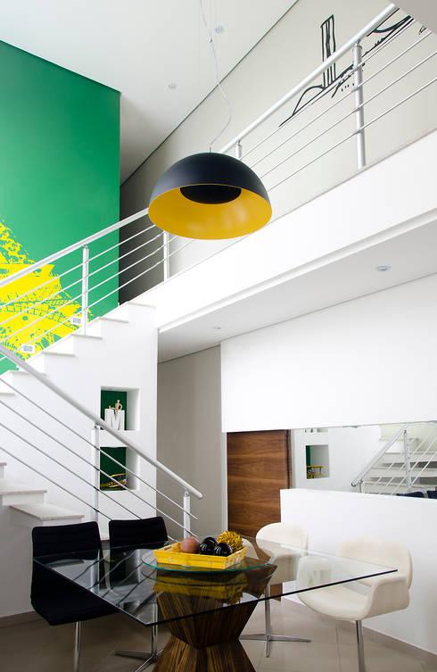 modern Dining room by Magno Moreira Arquitetura