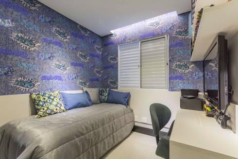 Dormitorio de adolescente: Quarto infantil  por Lo. interiores