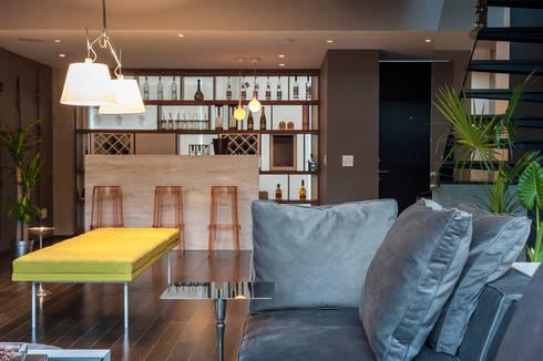 Departamento en La Condesa: Salas de estilo ecléctico por MAAD arquitectura y diseño