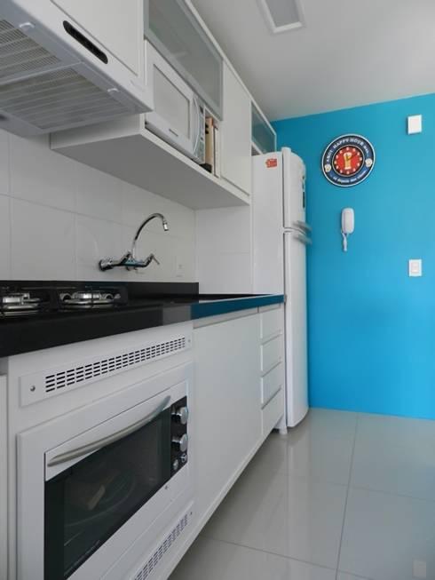cozinha compacta: Cozinhas minimalistas por ANE DE CONTO  arq. + interiores