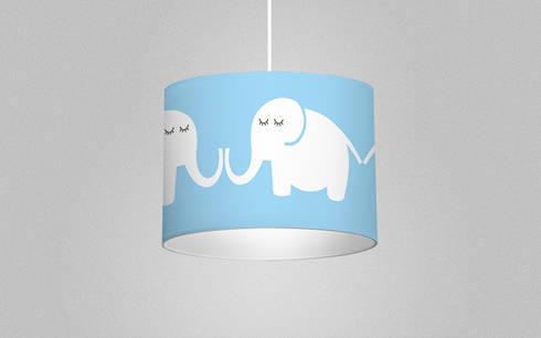 Leuchte Elephants, for him: moderne Kinderzimmer von Designstudio DecorPlay