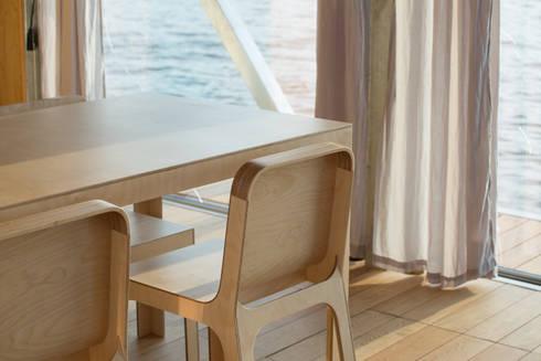 FloatWing: Salas de jantar ecléticas por Friday, Ciência e Engenharia do Lazer, SA