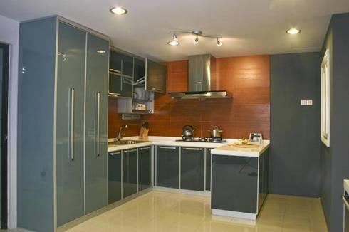 Modular Kitchen: modern Kitchen by S.R. Buildtech – The Gharexperts