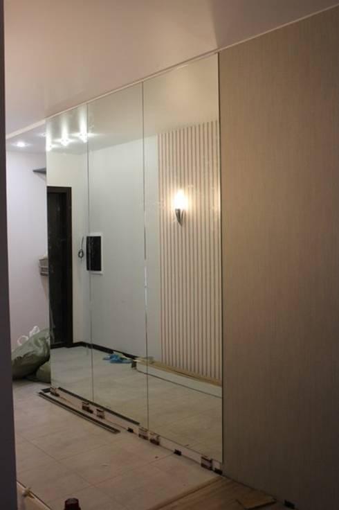 Зеркала: Прихожая, коридор и лестницы в . Автор – ReflectArt