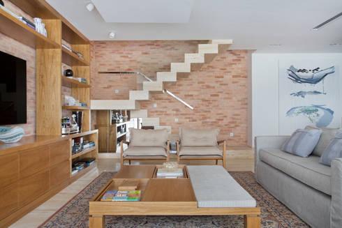 Cobertura Ipanema: Corredores e halls de entrada  por Paula Libanio Arquitetura Interiores