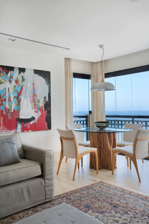 Cobertura Ipanema: Salas de jantar modernas por Paula Libanio Arquitetura Interiores